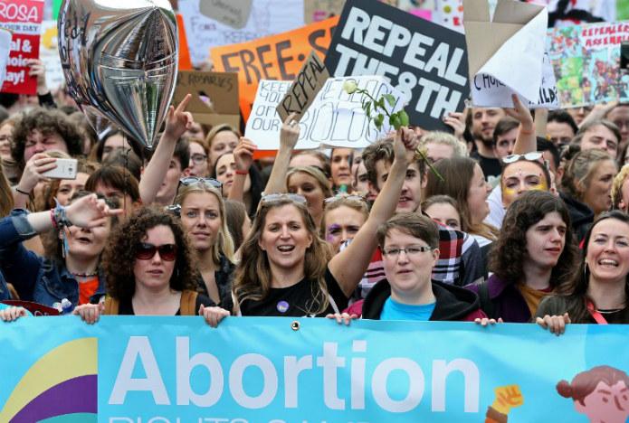 En Irlande, «celles qui n'ont pas d'argent ont des bébés»