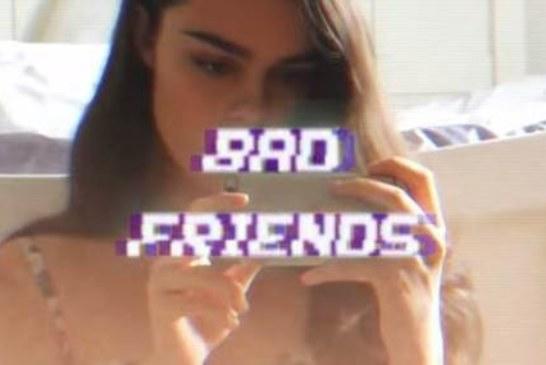 """Musique: Black Honey sort le clip de """"Bad Friends"""""""