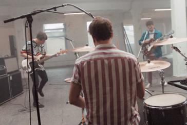 Musique: The Wombatsprésentent le clip de leur nouveau singleBEE-STING.