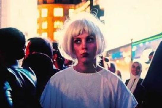 Musique: Black Honey sort le clip de Crowded City