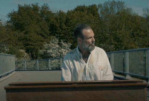 Henrik Lindstrand a sorti son  nouveau single Dungen